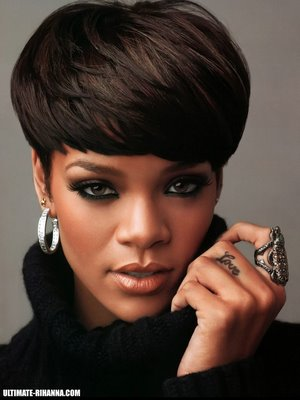 Rihanna maquillage make up yeux verts