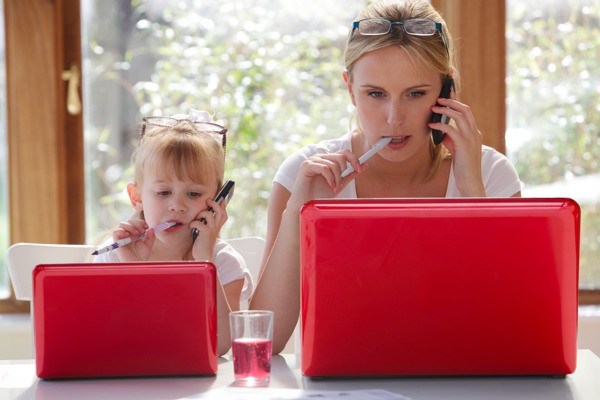 Mampreneur - Maman travaille - work at home - maman teletravail