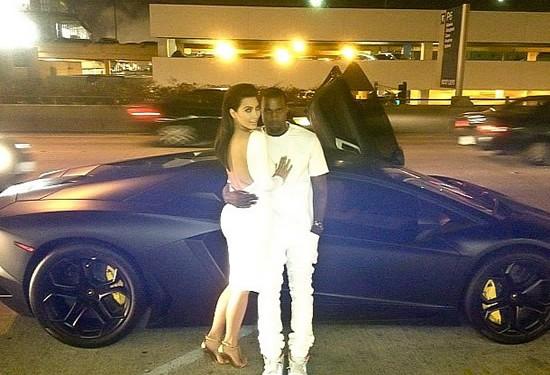 Kim Kardashian Kanye West Lamborghini Aventador - kanye west président - kim kardashian première dame