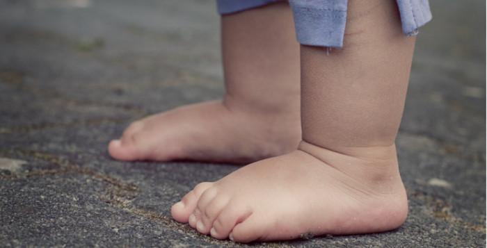 pieds bébé, réseaux sociaux et enfants, danger réseaux sociaux enfants, intagram #babyrp